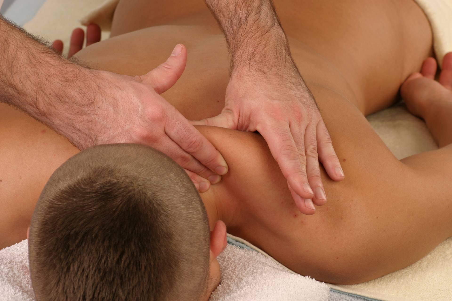 Brustkorb und Hals
