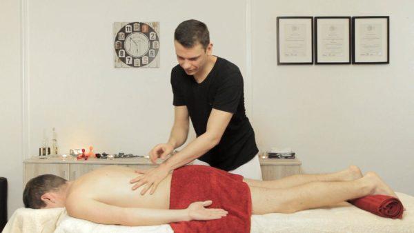 Rückenmassage, Sportmassagetherapeut II/IV: Rücken 2